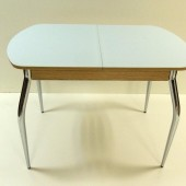 9100 руб. Стол маленький со стеклом матовый 1050 + (320) - 700